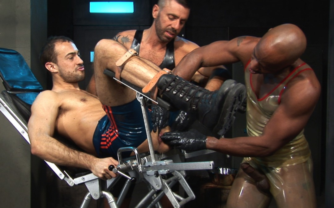 l7101-cazzo-gay-sex-porn-hardcore-made-in-germany-berlin-cazzo-hard-play-015