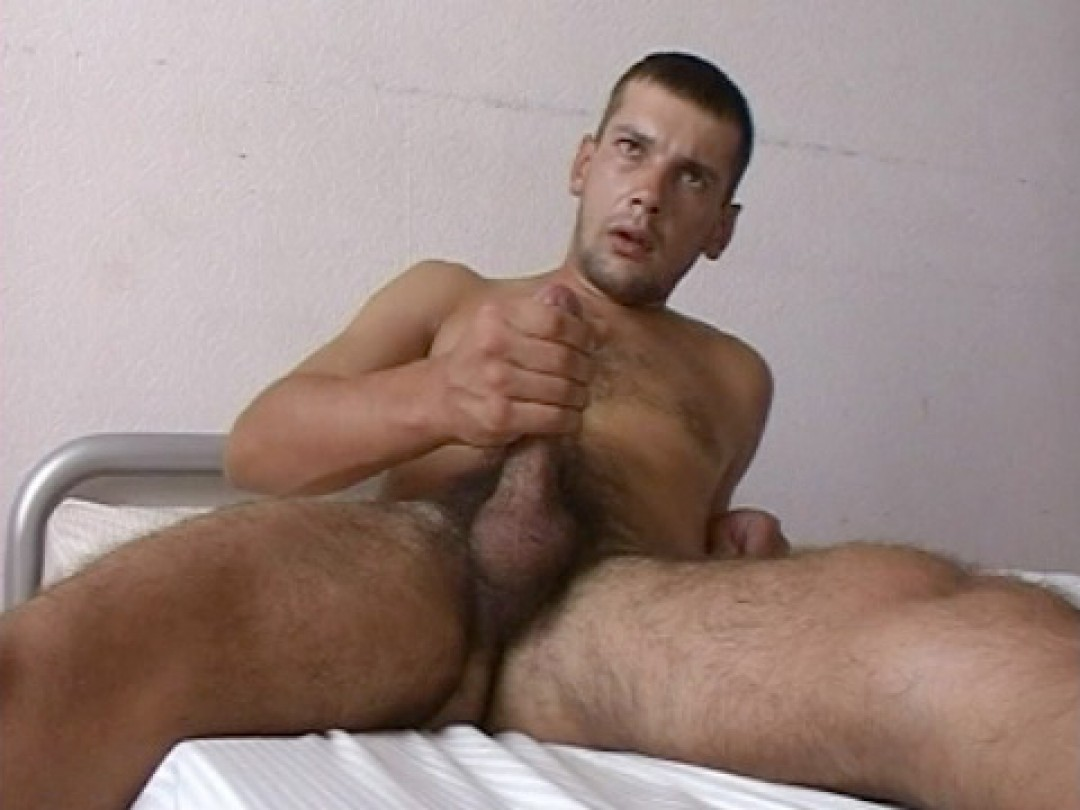 Straight sexy fuck in wanking action
