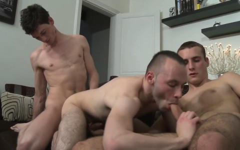 l11704-berryboys-gay-sex-porn-hardcore-videos-twinks-minets-jeunes-mecs-french-made-in-france-011