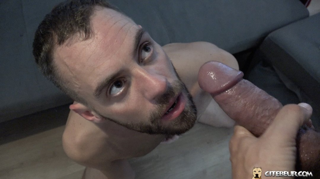 Julien stark soumi a une grosse bite arabe