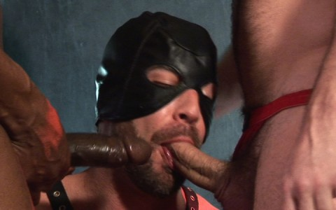 l14091-darkcruising-gay-sex-porn-hardcore-videos-latino-008