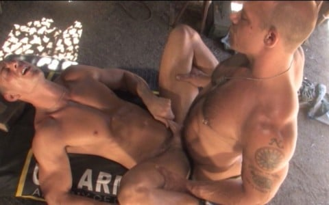 l6879-jnrc-gay-porn-militaires-uniformes-raging-stallion-grunts-brothers-in-arms-014