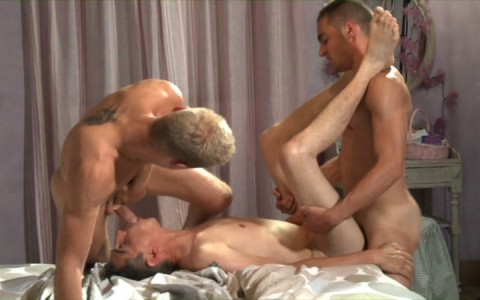 l7730-berryboys-gay-sex-porn-hardcore-twinks-minets-jeunes-mecs-made-in-france-stephane-berry-prod-gay-house-013