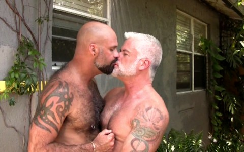 l9178-mistermale-gay-sex-porn-hardcore-videos-butch-male-hunks-studs-muscle-beefcake-hairy-scruffy-gods-daddies-butch-dixon-grrrrrr-001