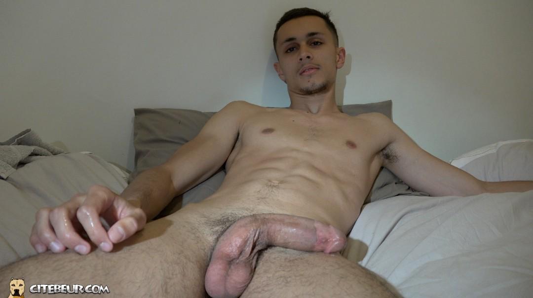 Samy Lakhdar branle sa grosse bite de rebeu
