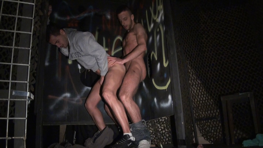 Suck the dick of stany FALCONE on gloy holes