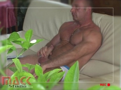 l11504-mackstudio-gay-sex-porn-hardcore-videos-french-france-butch-mack-manus-viril-003