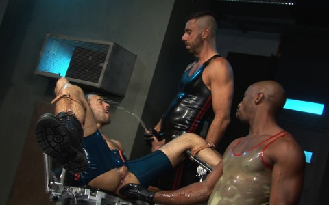 l7101-cazzo-gay-sex-porn-hardcore-made-in-germany-berlin-cazzo-hard-play-018