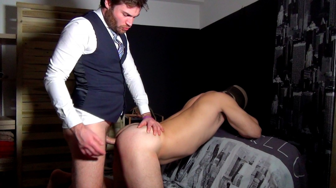 Delivery man-sleeves for Maffieux rageux - Mafioso 2 - Scene 1