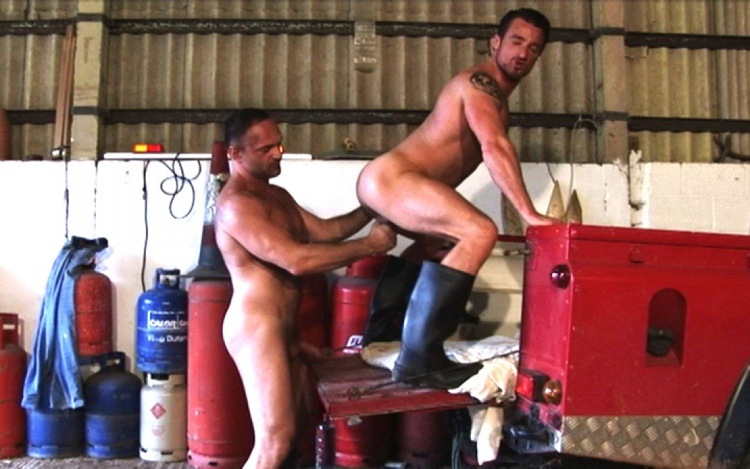 l7301-cazzo-gay-sex-porn-hardcore-alphamales-out-on-the-farm-009