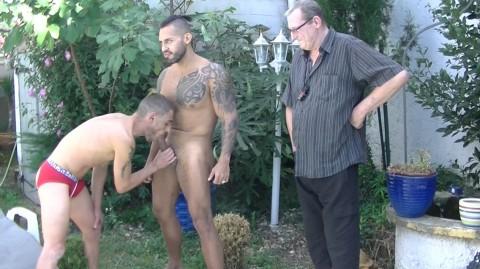 Nick SPEARS dosé par Viktor ROM devant un vieux pervers de 60 ans