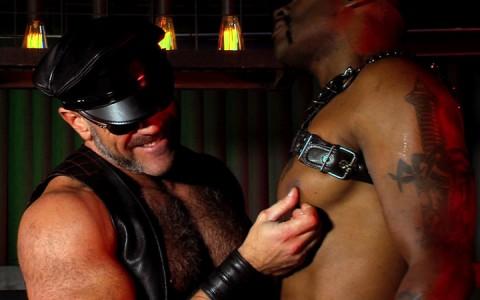 l12677-darkcruising-gay-sex-porn-hardcore-videos-hard-fetish-bdsm-rough-002
