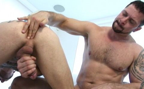 l7307-gay-porn-sex-hardcore-alphamales-out-on-the-hit-027