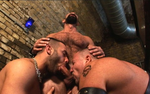 l7306-darkcruising-video-gay-sex-porn-hardcore-hard-fetish-bdsm-alphamales-out-on-the-hit-011