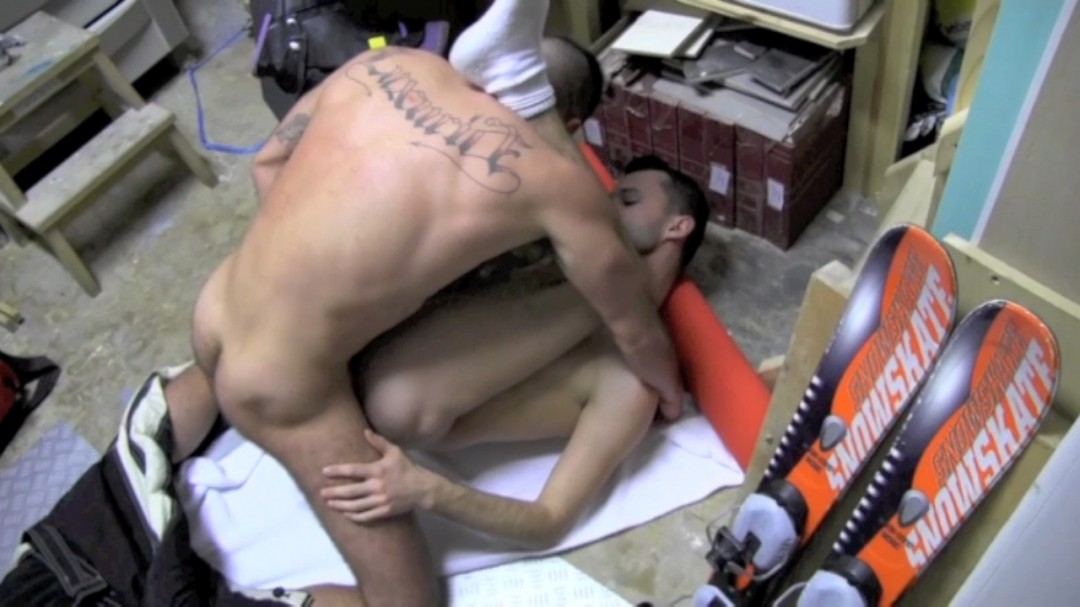 Ski monitor twink fucked by MACANAO TORRES