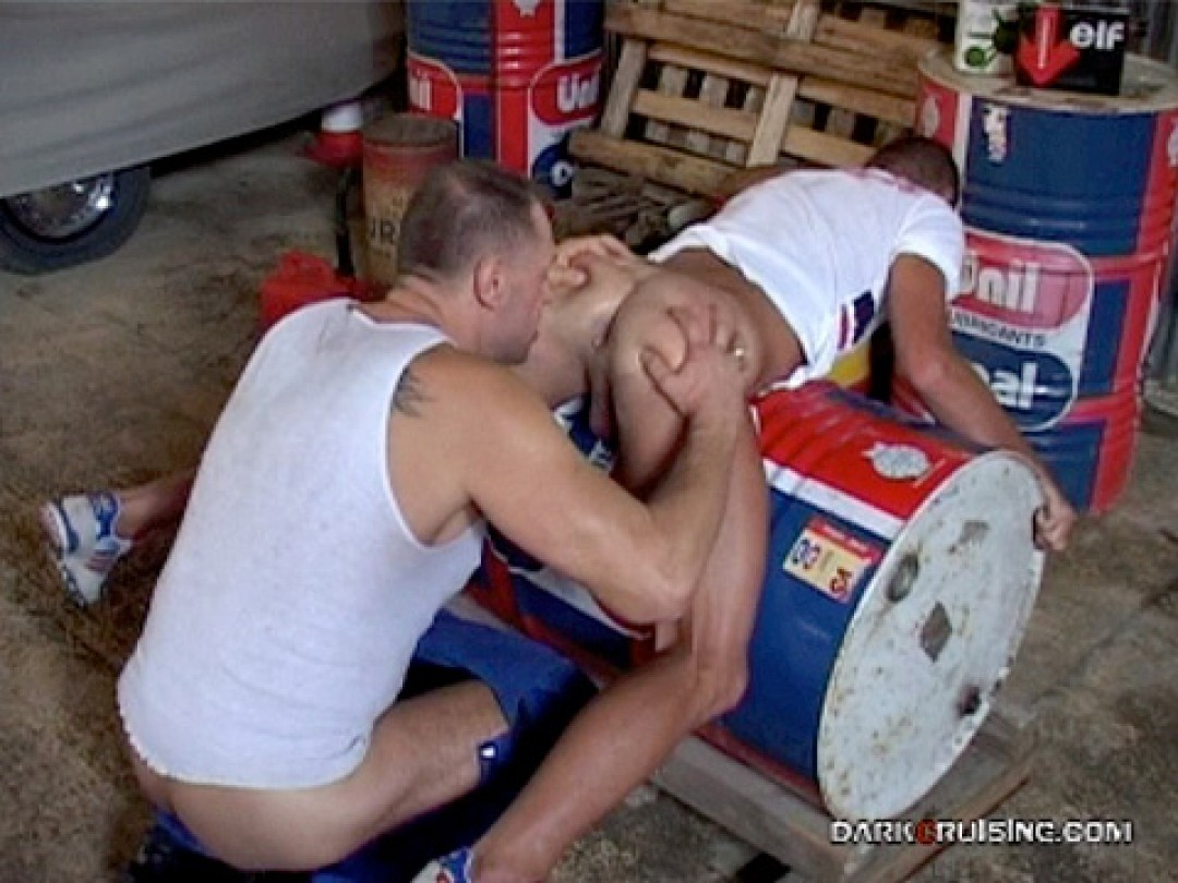 SPANKED BY THE MECHANIC