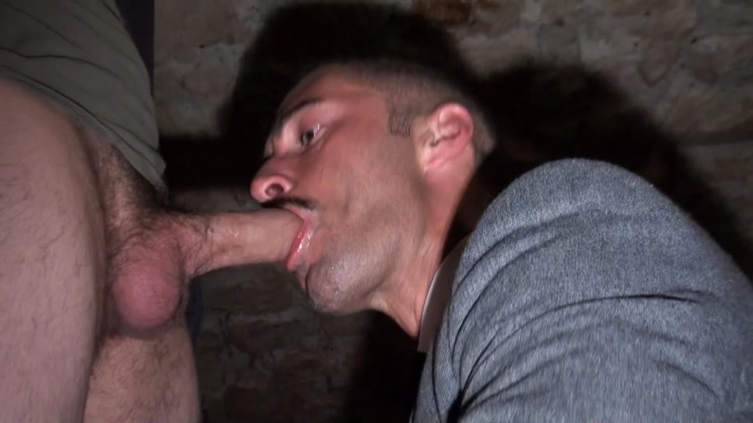 Tomas GREEN suce la grosse queue de PHYZER l'hétéro