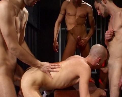 l01886-darkcruising-gay-sex-porn-hardcore-videos-hard-bdsm-fetish-leather-darkroom-rubber-skin-010