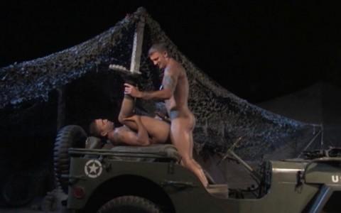 l6884-jnrc-gay-porn-militaires-uniformes-raging-stallion-grunts-misconduct-012