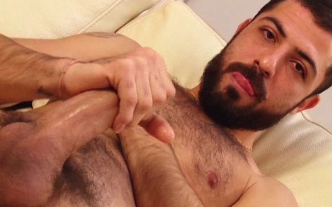 Bearded sex-bomb
