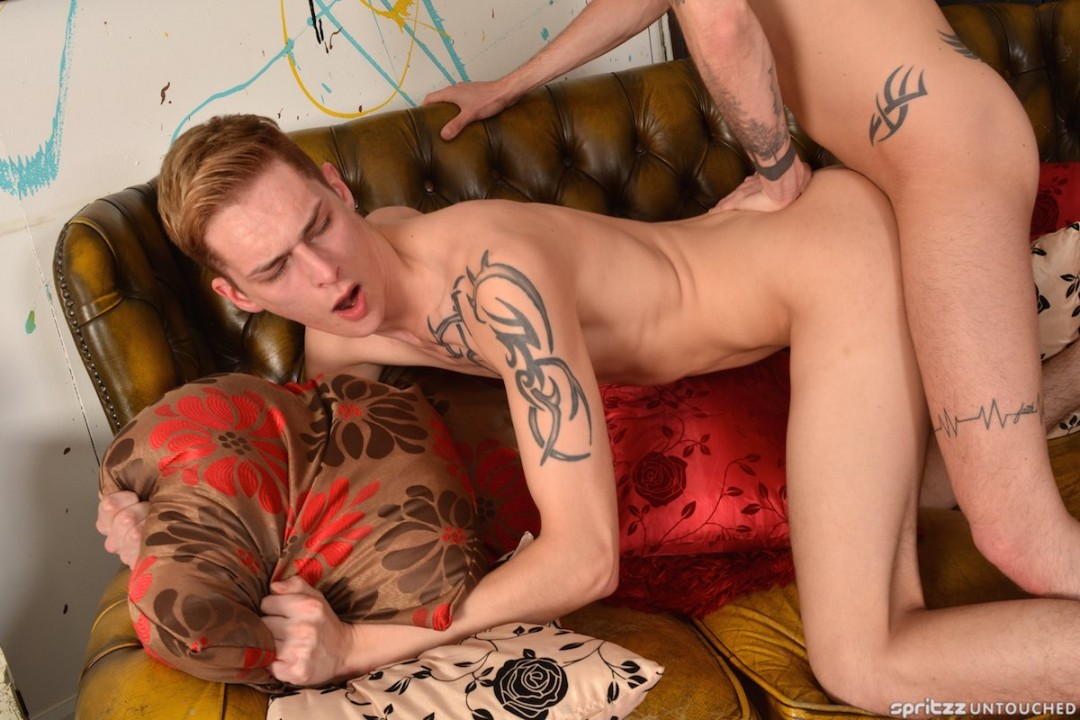Blond bottom Connor Levi banged by cool French dude