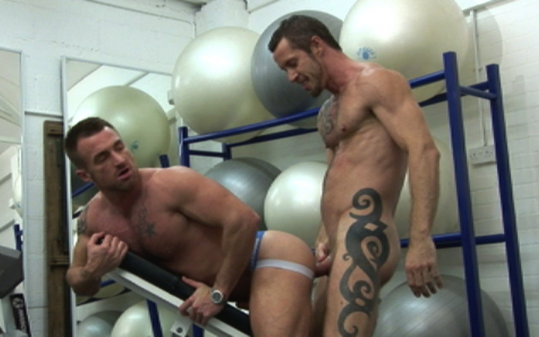 l7276-gay-sex-porn-hardcore-alphamales-out-at-the-gym-014