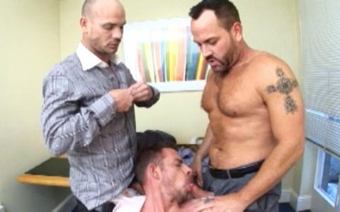 l7282-darkcruising-video-gay-sex-porn-hardcore-hard-fetish-bdsm-alphamales-out-in-the-office-004