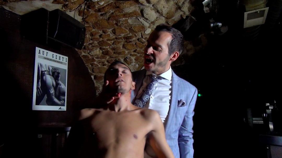Jonny Vega sous l'iinfluence sexuelle de Thiago et Gabriel - Blood Brothers -scène 2