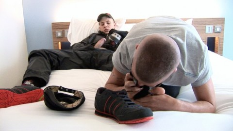 scottxxx-sketboy-sneaker-gay-sex