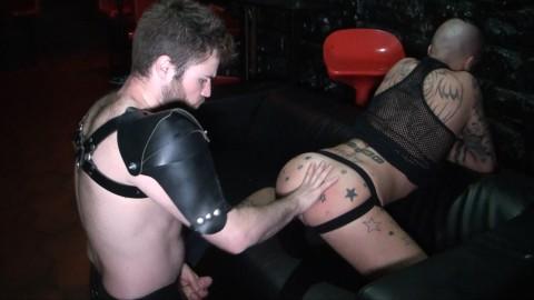 Un beau passif tatouté de CALAIS casté par DORYAN