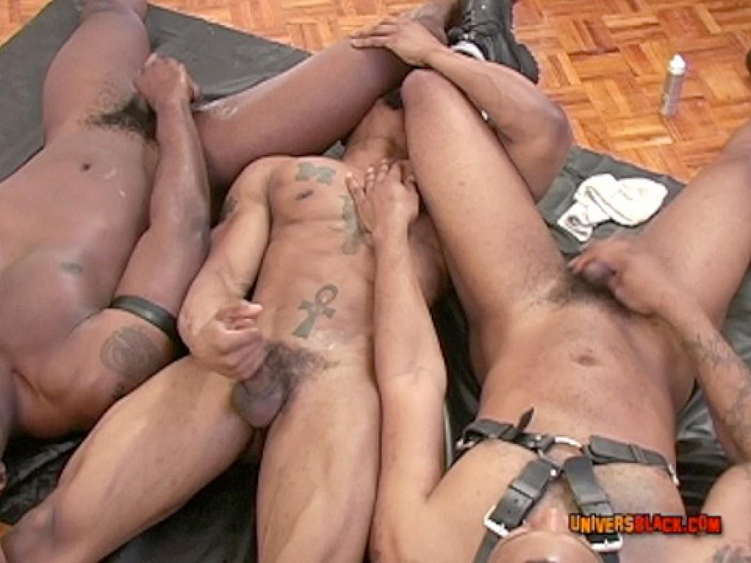 LEATHER BLACK SLAVE