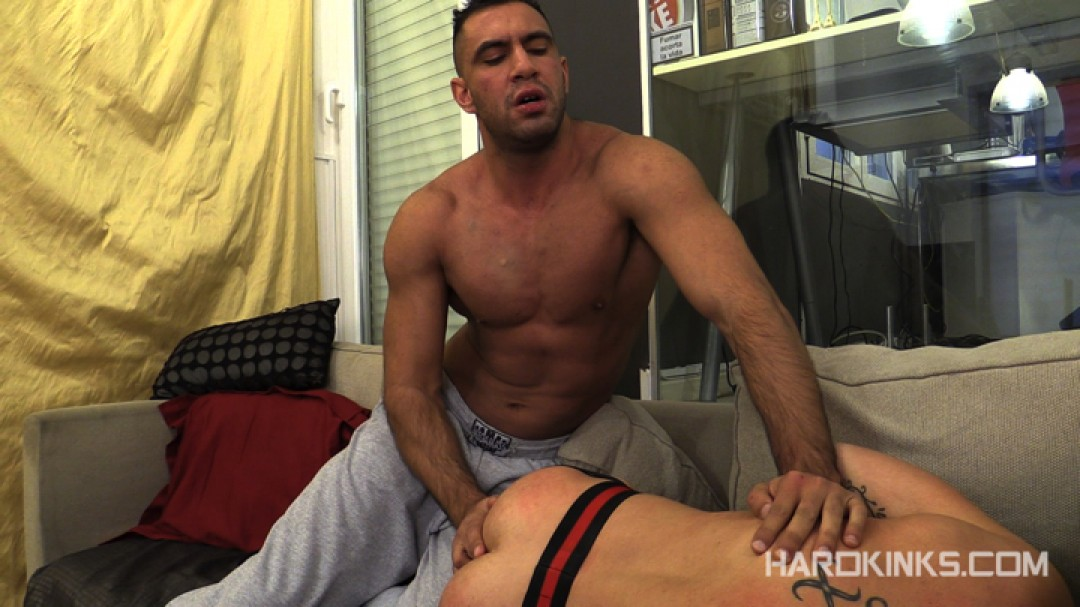 dark-cruising-hard-kinks-gay-porn-hardcore-videos-made-in-spain-bdsm-macho-kinky-bondage-fetish-12