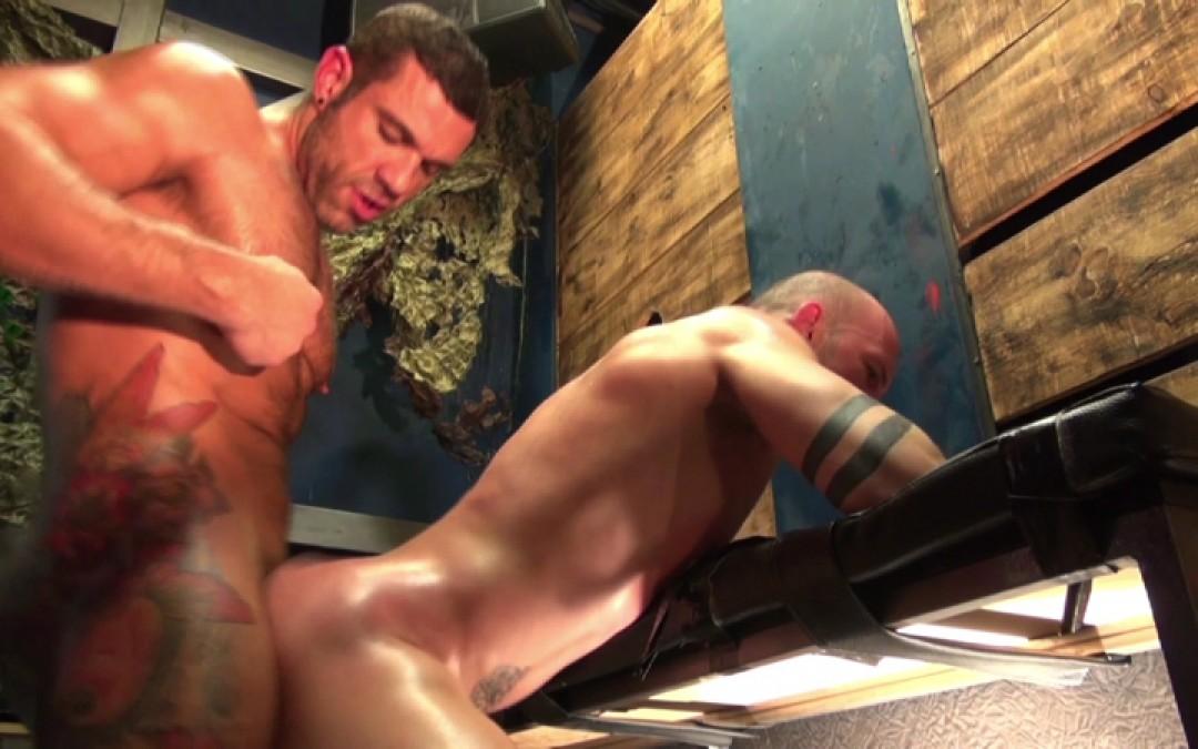 l13240-darkcruising-gay-sex-porn-hardcore-fuck-video-hard-bdsm-fetish-darkroom-fist-leather-rubber-07