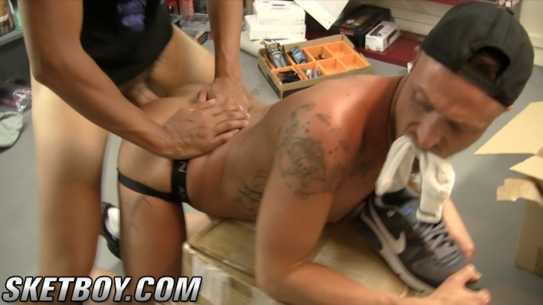 Fred Sneaker fucks his slut (2)