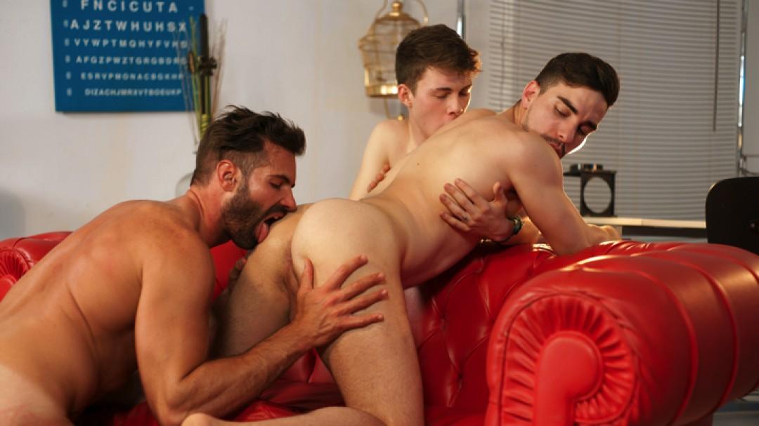 KNOCK KNOCK: A GAY PORN PARODY