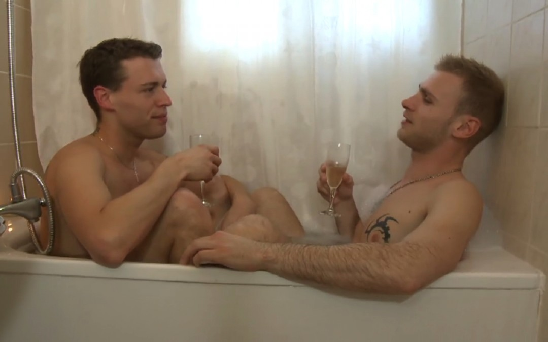 Champagne and cock in the bath tub