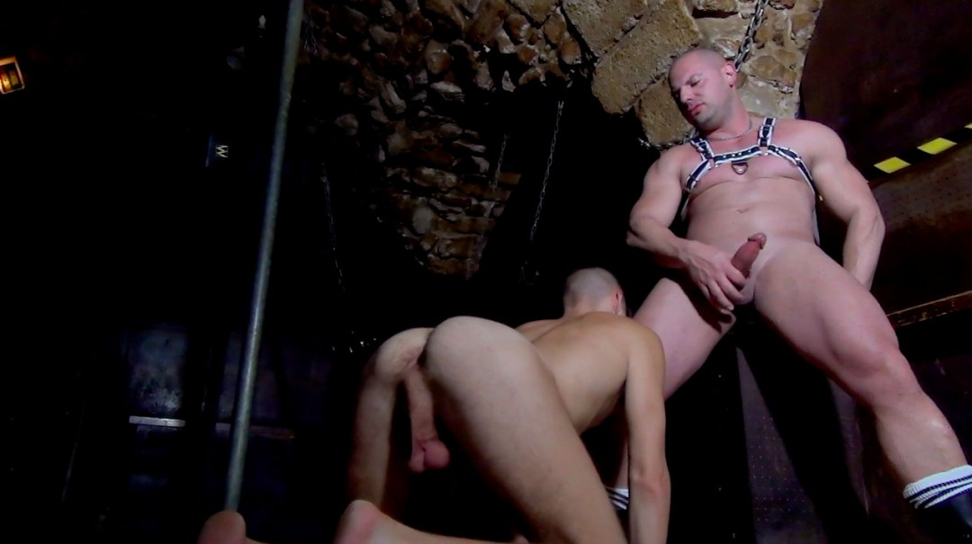Dmitri Osten at Dimitri Venum's orders in bareback mode