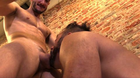 [Hardkinks] Affamé de queues, gavé par deux jeunes masters gays   Image 012