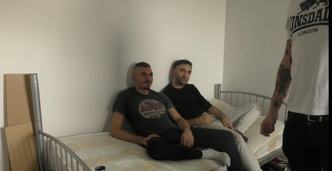Camera cachée, un hetero se tape un transboy au jus