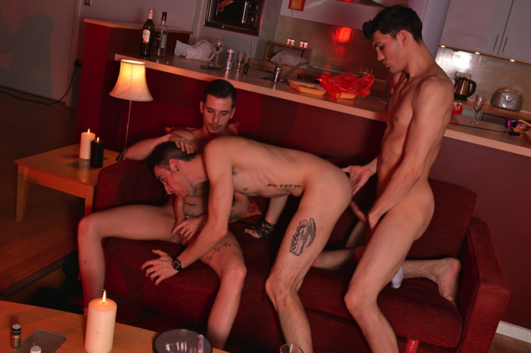 Partyboi Breeding: Gangbang Crew Fucks Bare Into Timmy Treasure