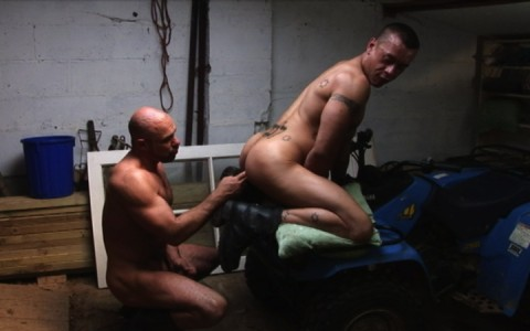 l7299-cazzo-gay-sex-porn-hardcore-alphamales-out-on-the-farm-014