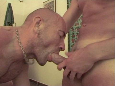 trio-threesome-douche-05