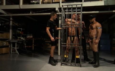 l6845-darkcruising-gay-sex-porn-hard-fetish-bdsm-titan-caged-002