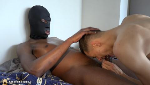 Rebeu gay Samy Lakhdar baise par un black de cite TBM 12