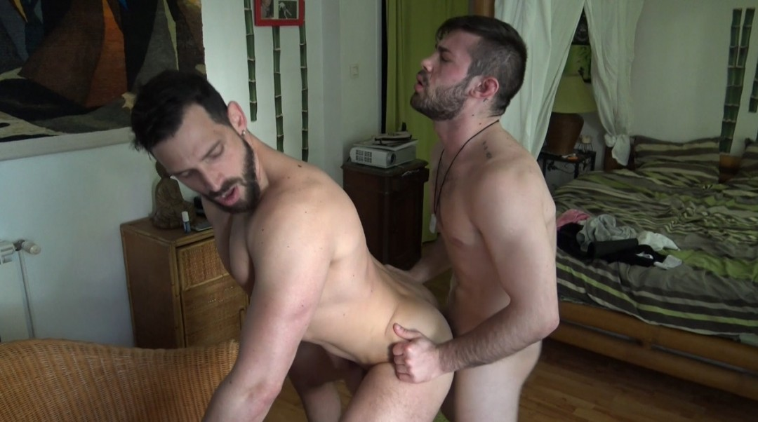 Enzo FUCKED by RICKY BLUE