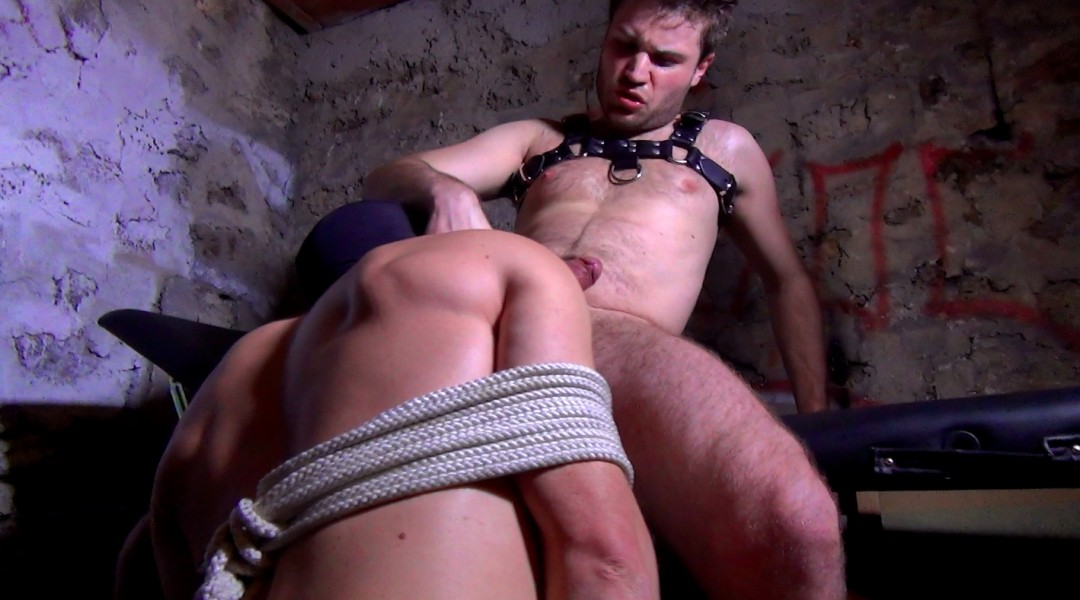 Padding and clearing the holes of a bastard muscled by a ruthless MASTER