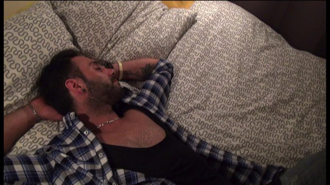 Chut, mon mari dort ! - partie 1