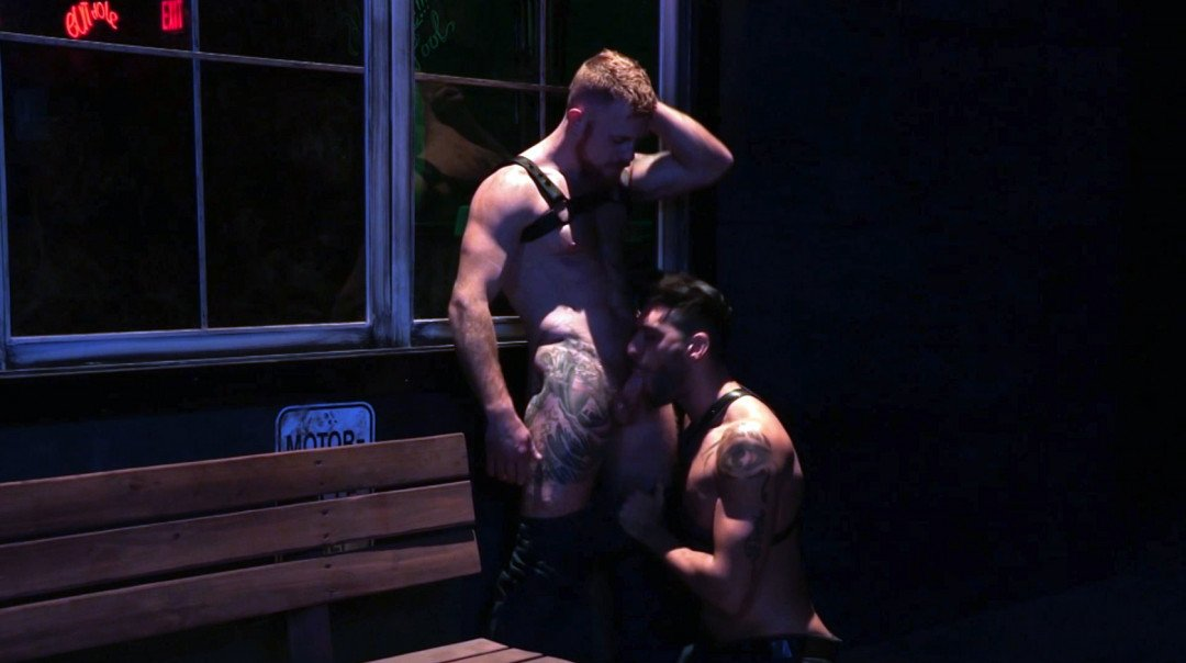 Hot way to end the night for the horny gay ginger dude