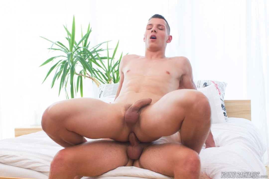 Young muscle twink loves a raw XL cock in his ass