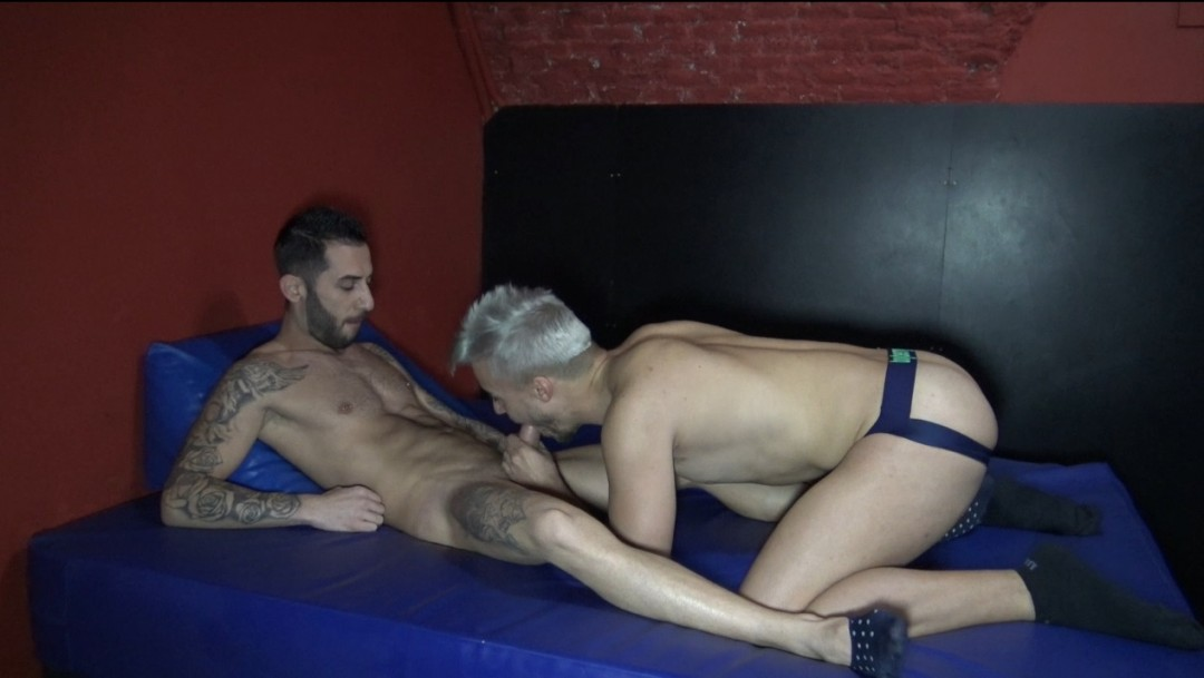 KEVIN LAURENT fucked bare by Alejandro TORRES